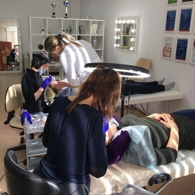 Ученики в процессе обучения татуаж, микроблейдинг, пудовые брови